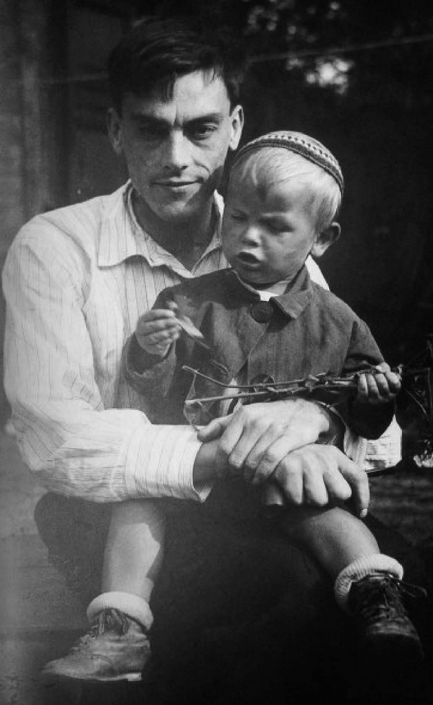 Andrei Tarkovsky in his father Arseny's arms.